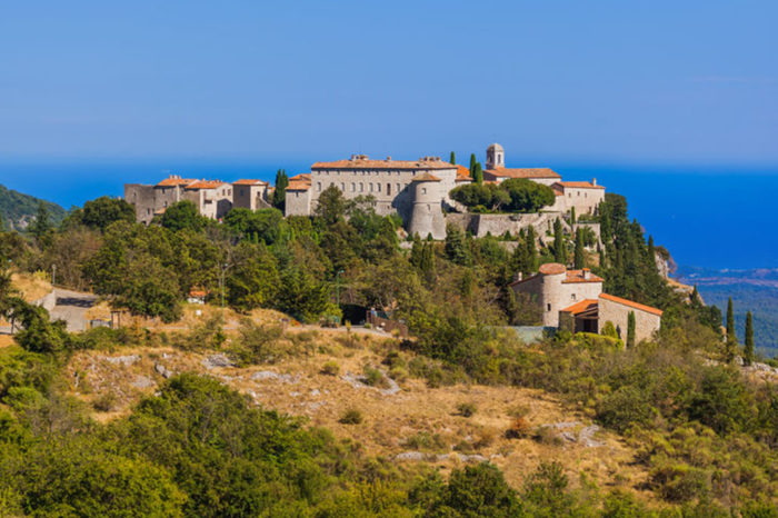The Western of the French Riviera and its Hilltop Villages
